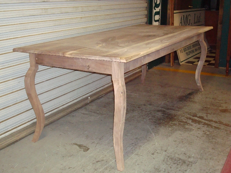 walnut-kitchen-tables2